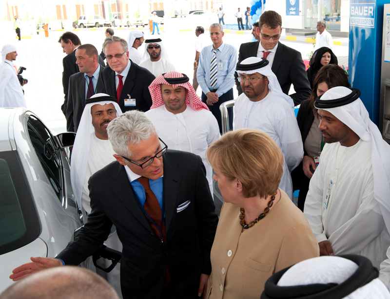 Dr. Angela Merkel and Philipp Bayat at the opening of the BAUER natural gas filling station