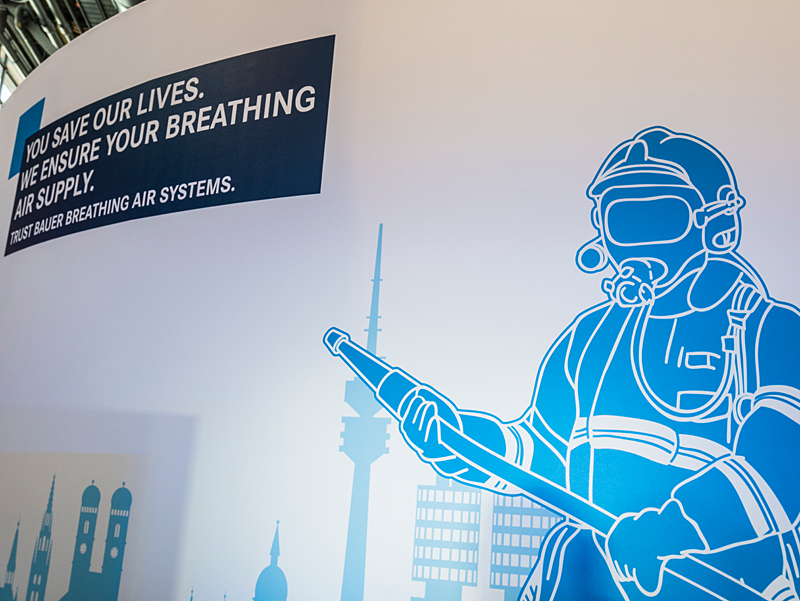 Safe breathing air – the central topic at the BAUER stand