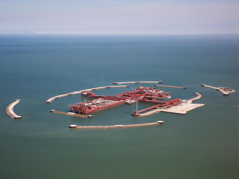 A bird's eye view on the gigantic oil platform D-Island