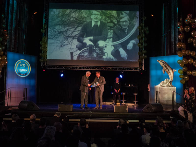"Heinz Bauer as guest of honor on stage at the renowned ""Tauchen Award"" diving event"